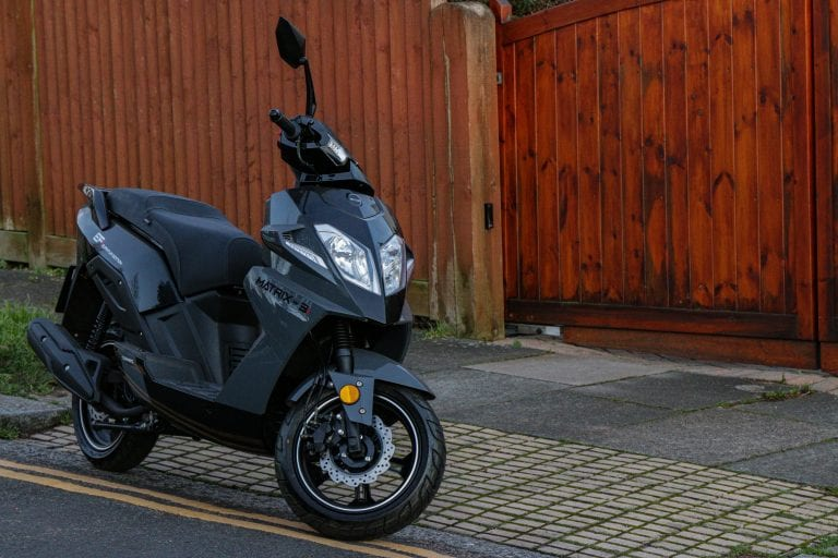 Sinnis matrix 3i 125cc grey