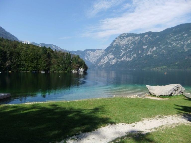 sinnis on tour lake