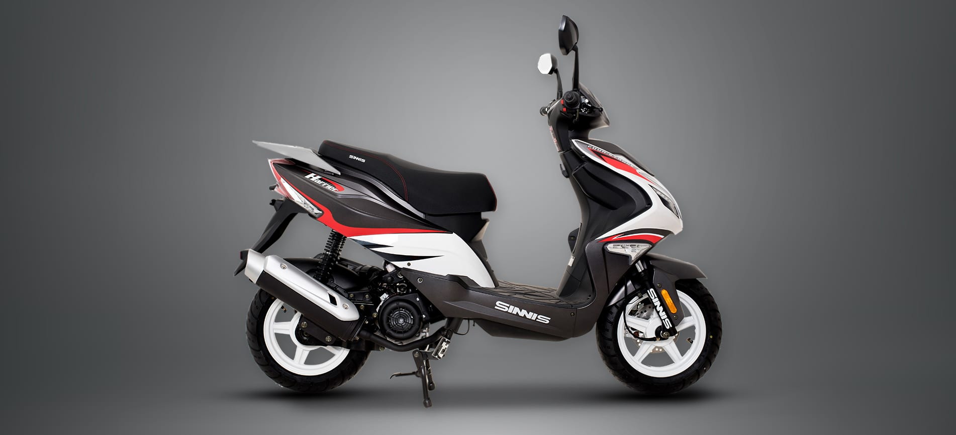 Sinnis Harrier 125cc Scooter Moped black and white and red