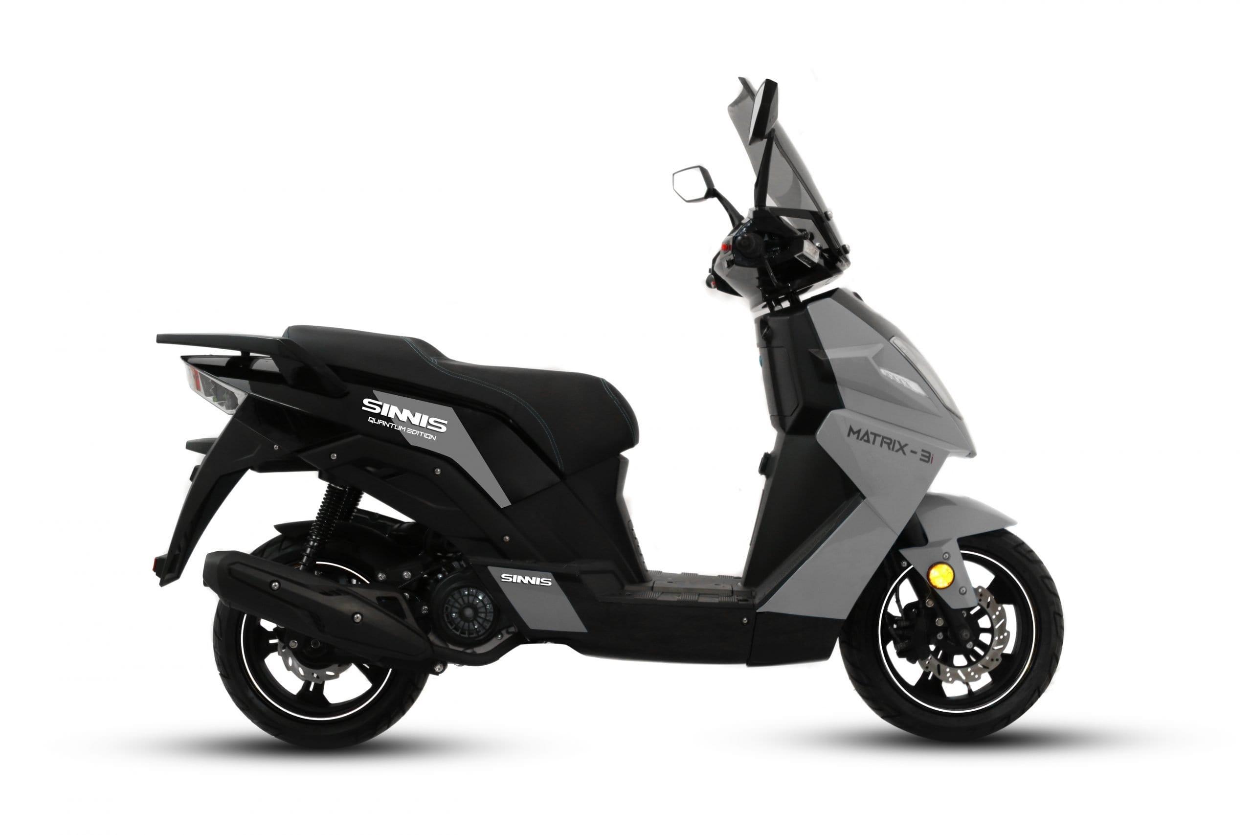Sinnis Matrix grey 125cc scooter