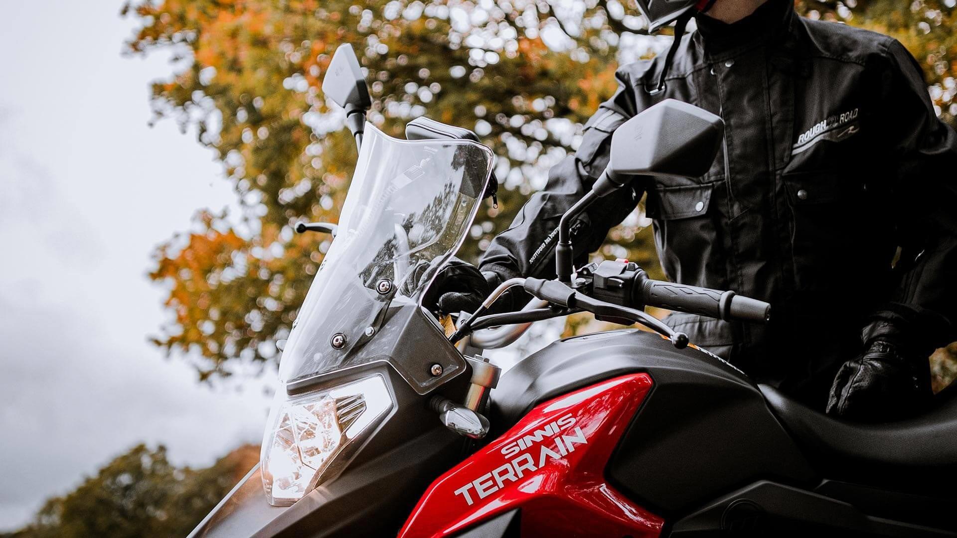 Sinnis terrain 125cc rosso close up